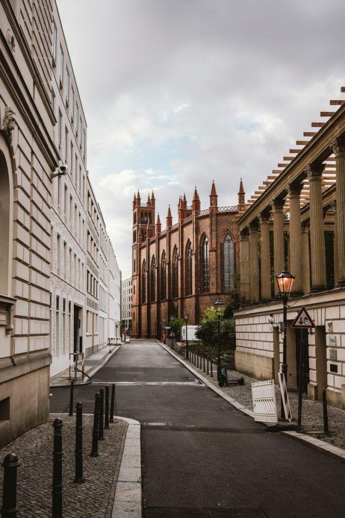 Berlins stunning street-views boast beautiful architecture