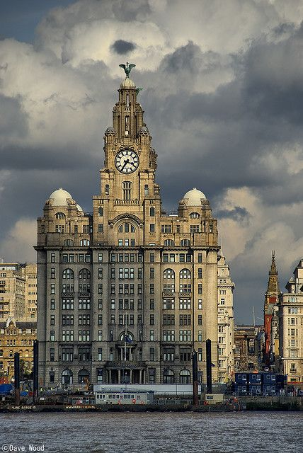 The Liver Building sat in-front of the River Mersey