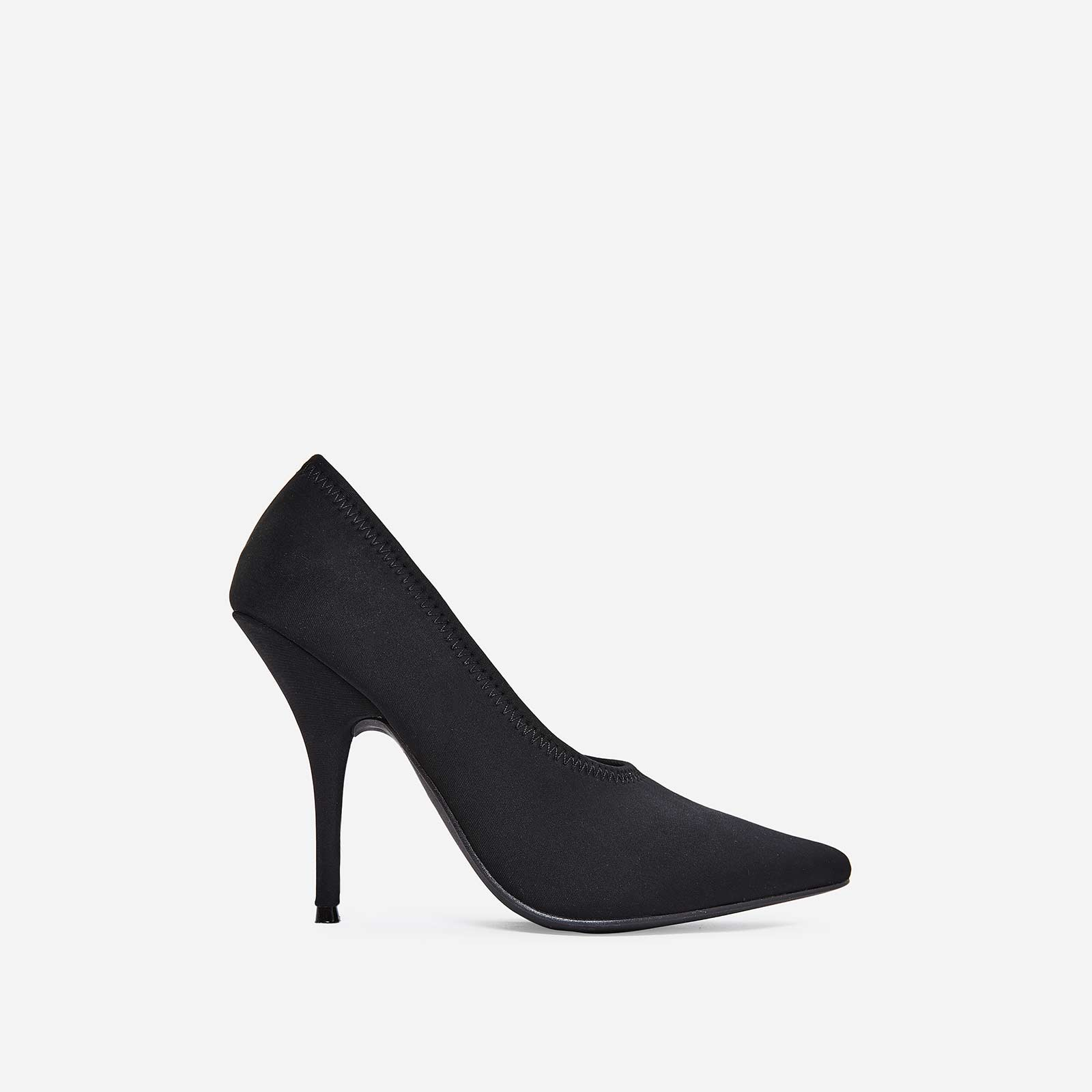 Fabulous Court Heel in Black Lycra
