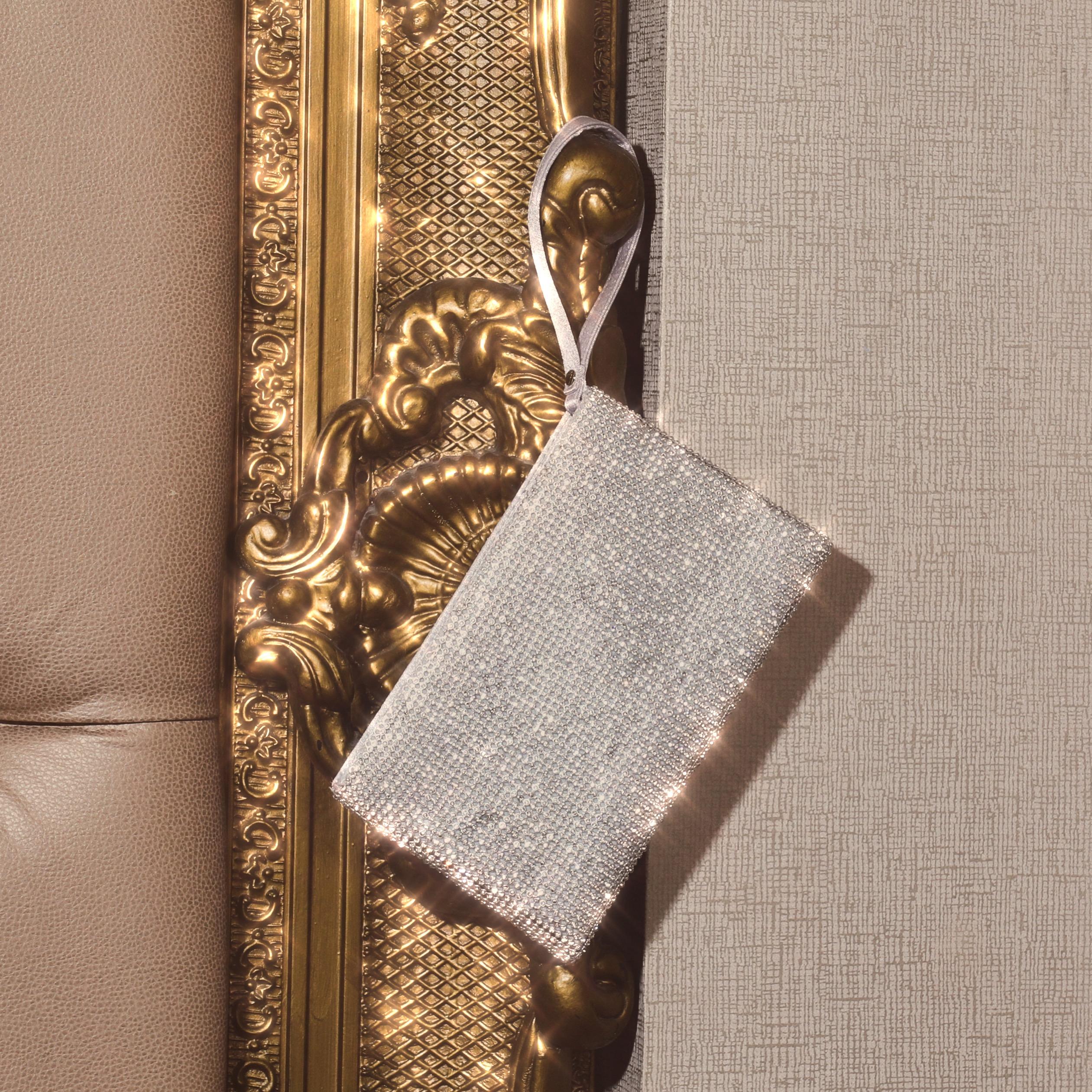 Clutch Bag In Silver Diamante