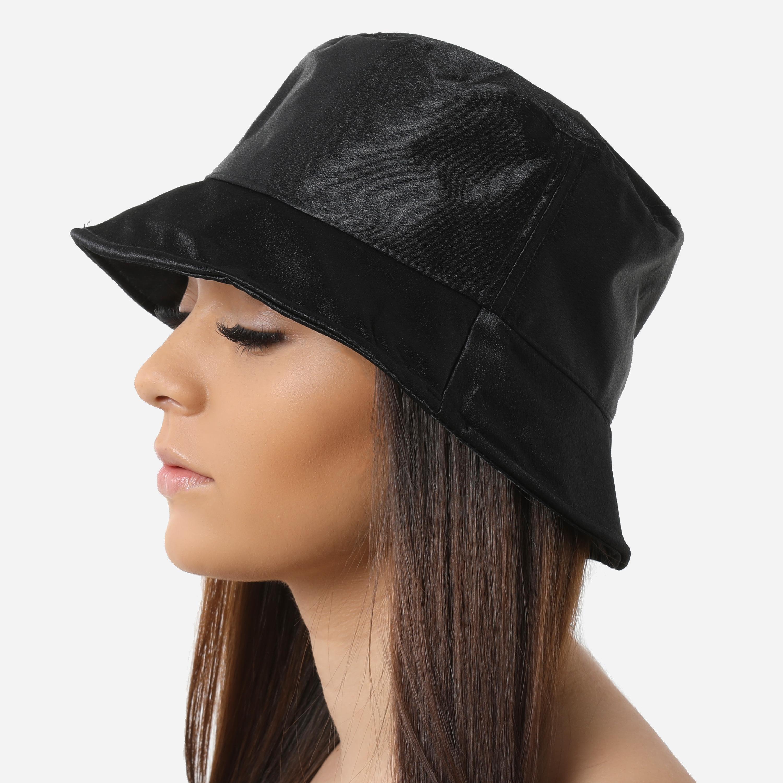 Bucket Hat In Black Satin