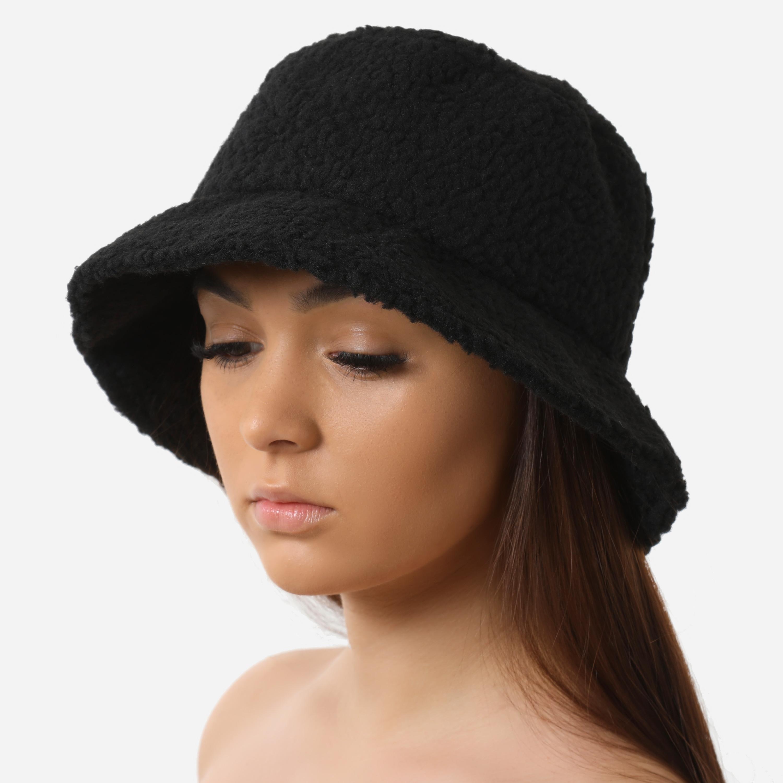 Bucket Hat In Black Faux Shearling