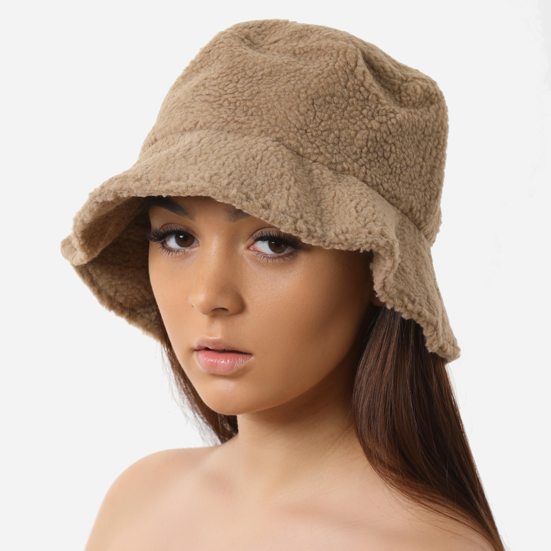 Bucket Hat In Nude Faux Shearling