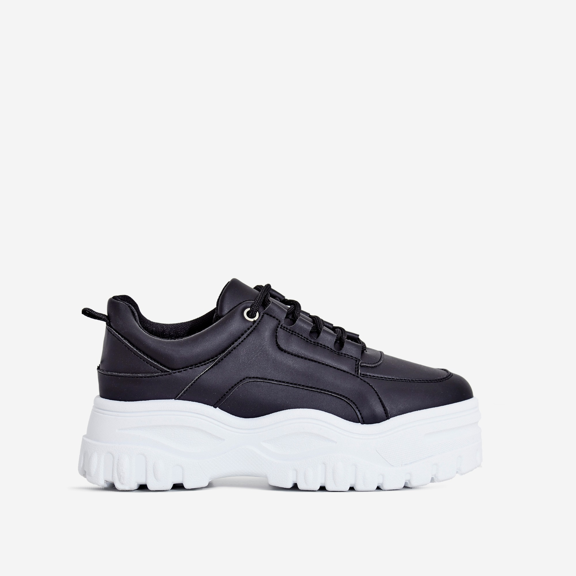 003a21d33ce Tye Chunky Sole Trainer In Black