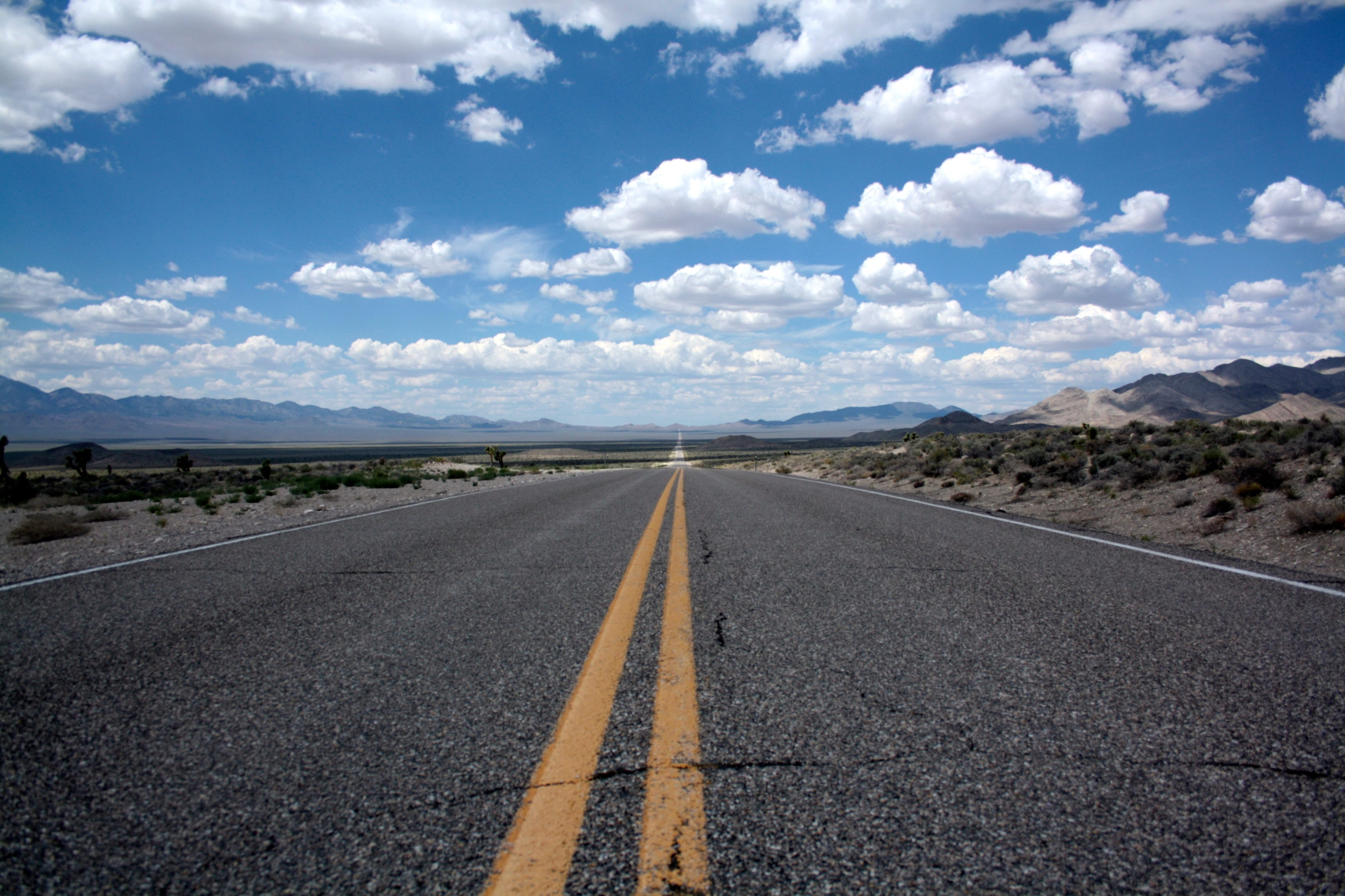 An image of an open road in America which is popular for gap year travellers